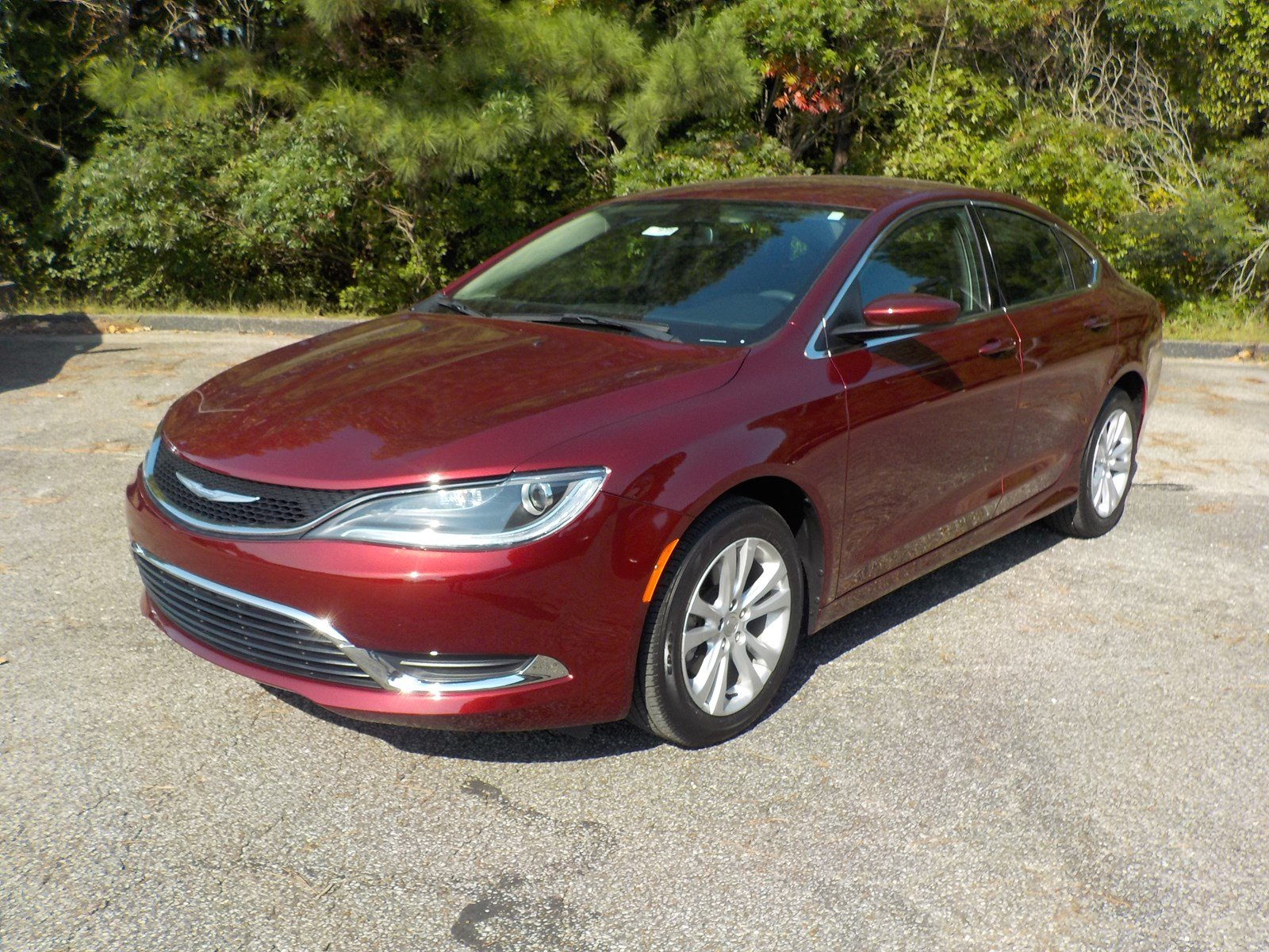 Certified Pre Owned 2016 Chrysler 200 Limited 4dr Car in Lexington