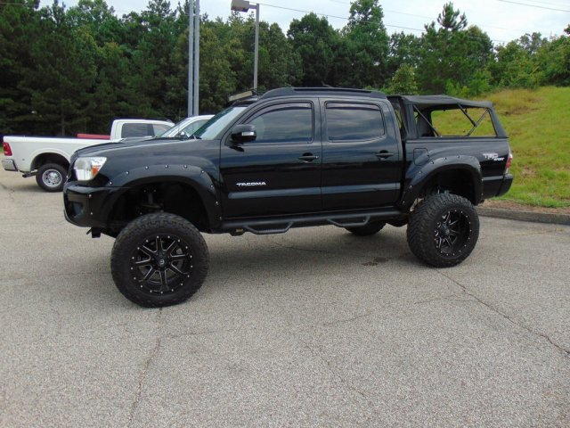 Pre-Owned 2013 Toyota Tacoma DBL CAB 4WD V6
