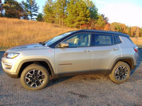 New 2020 JEEP Compass Trailhawk With Navigation